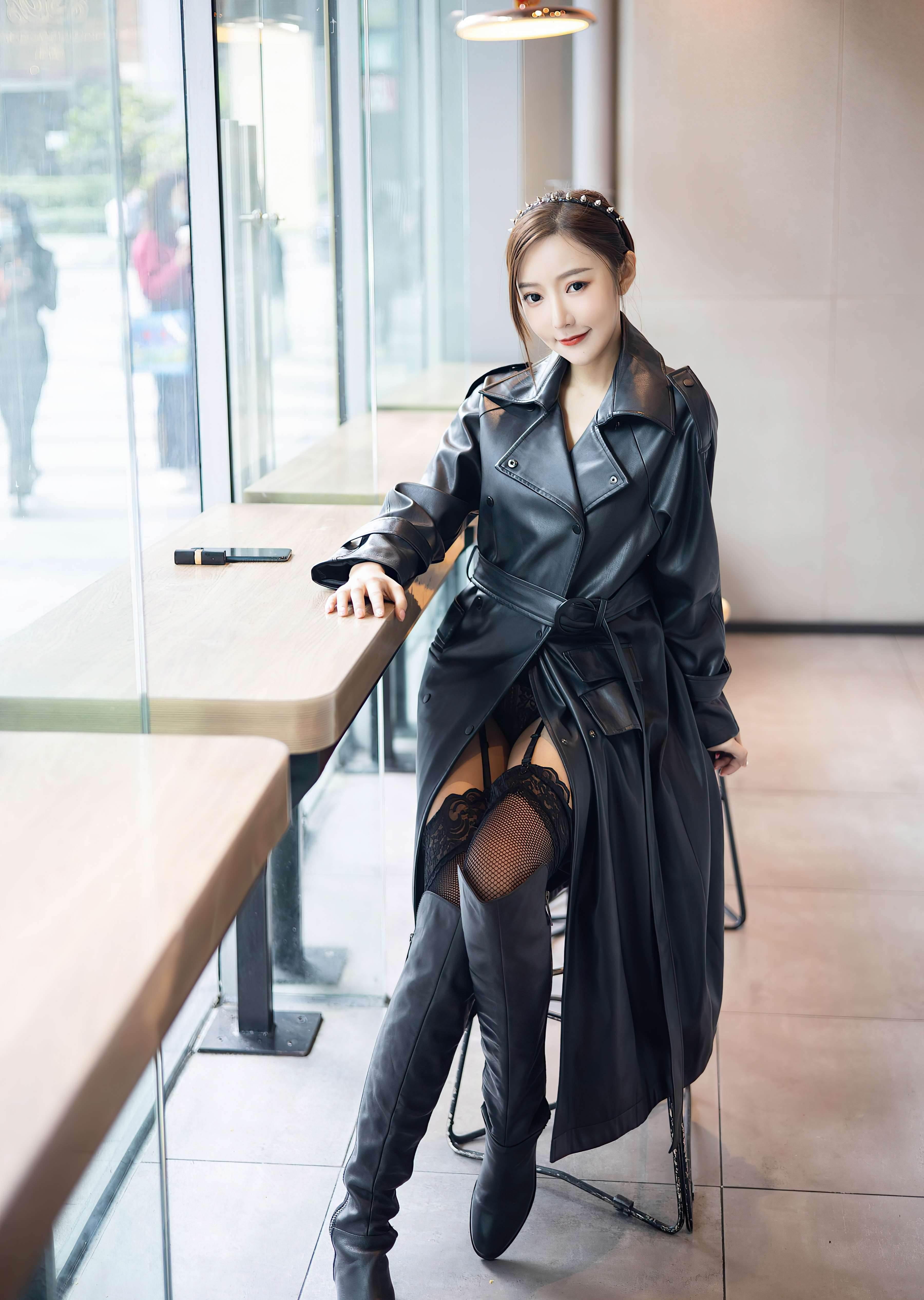 第21期穿皮衣的女孩又酷又时尚王馨瑶_图片2