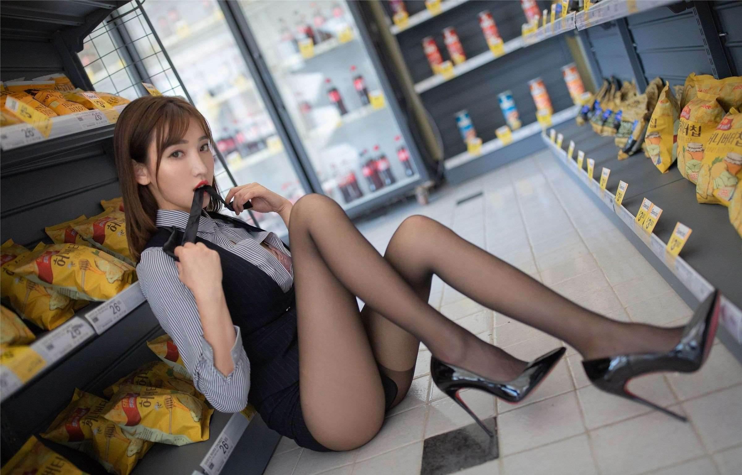 第35期性感超市收银员陆萱萱_图片4