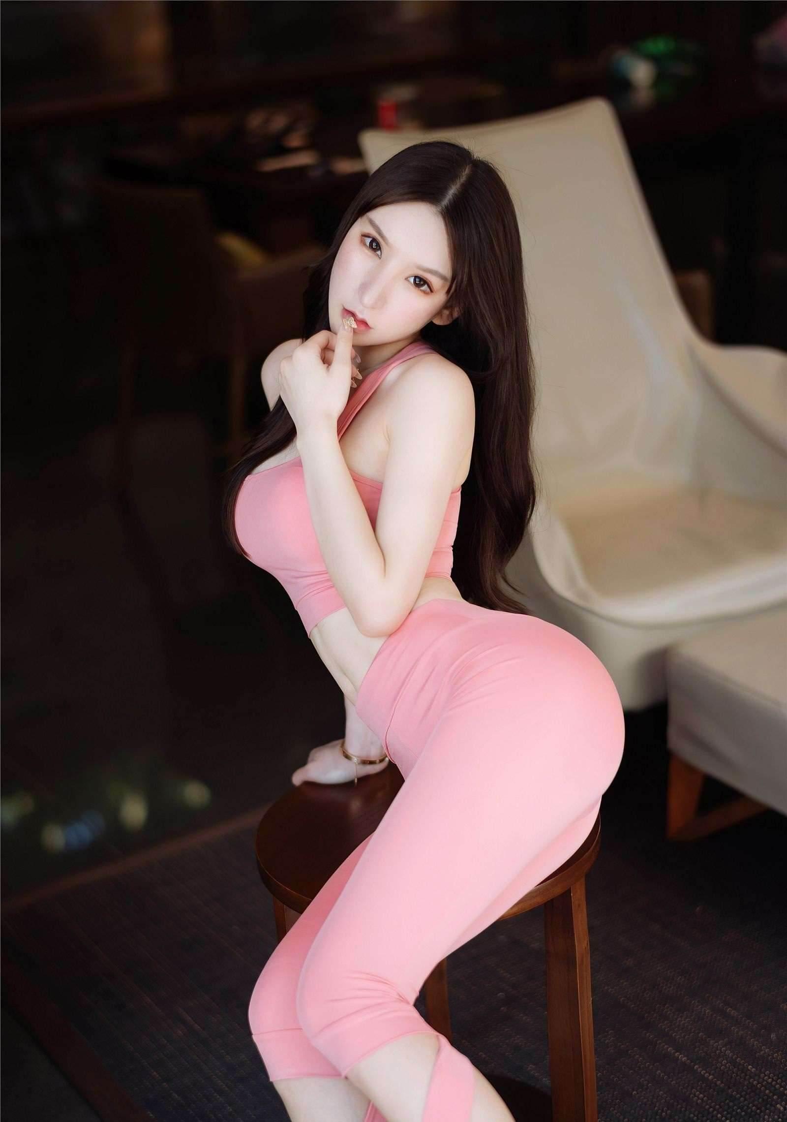 第62期勾人的妖精运动套装周于希(长腿,饱满)_图片4