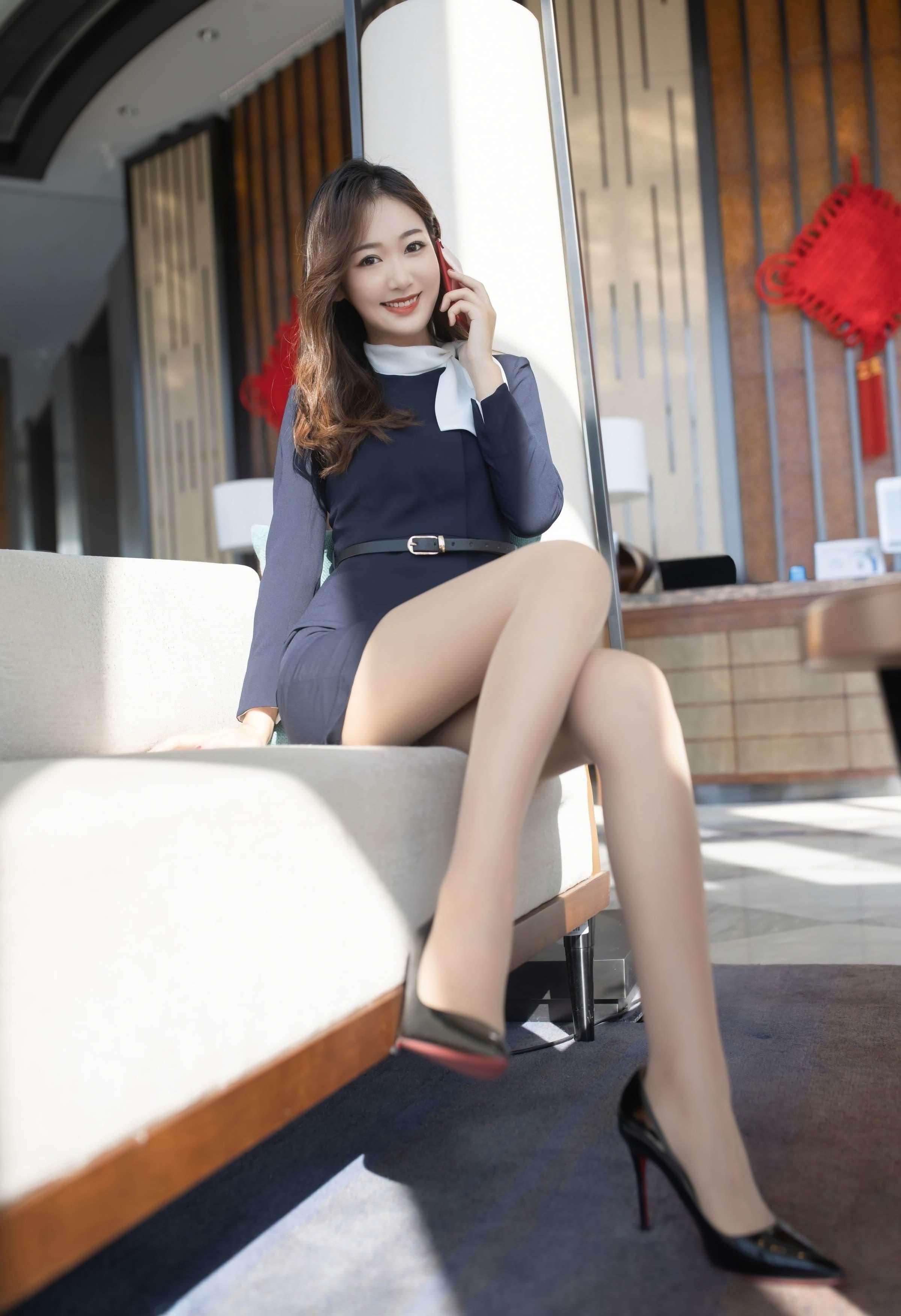 第70期繁忙的公司女老总唐安琪(工作装,高跟,丝袜)_图片2