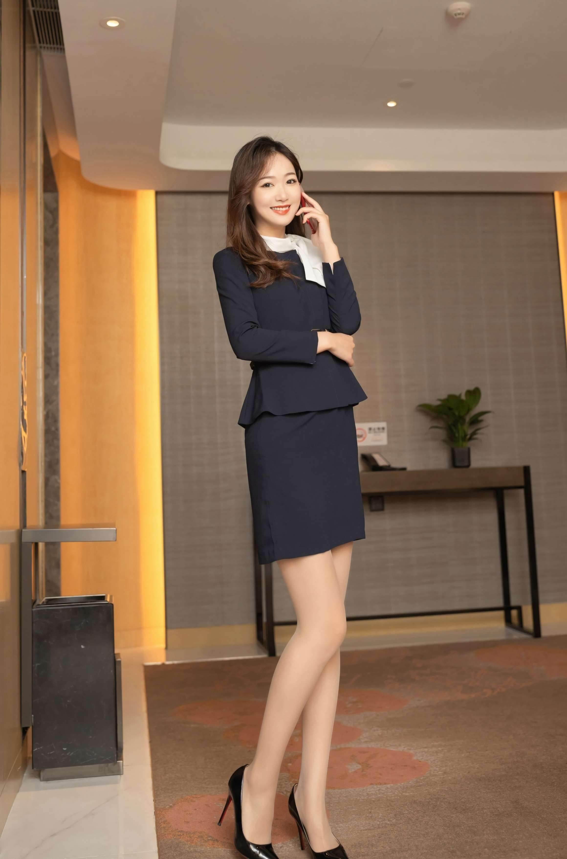 第70期繁忙的公司女老总唐安琪(工作装,高跟,丝袜)_图片3