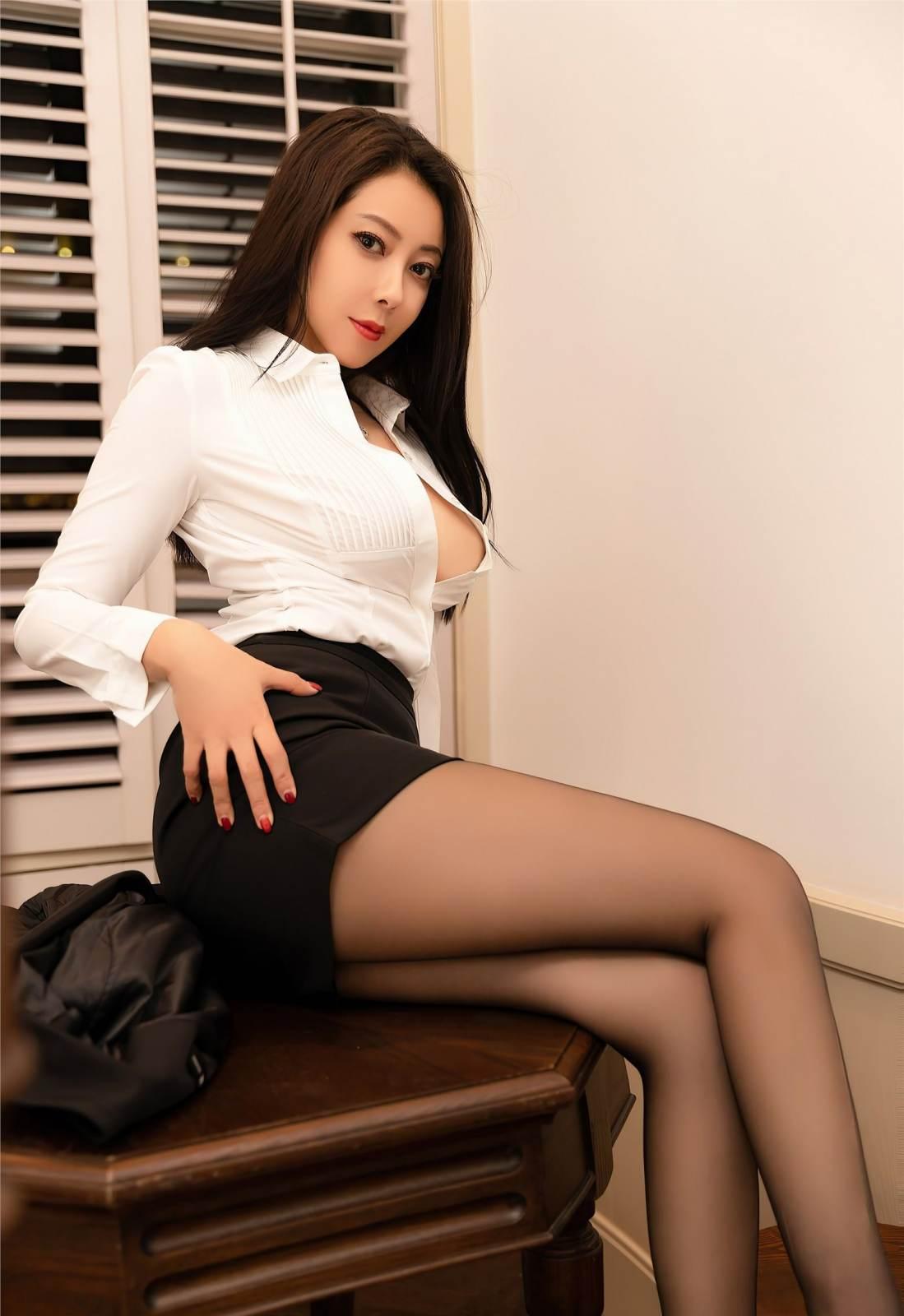 第141期性感职业装果儿(丝袜,高跟,西装)_图片2