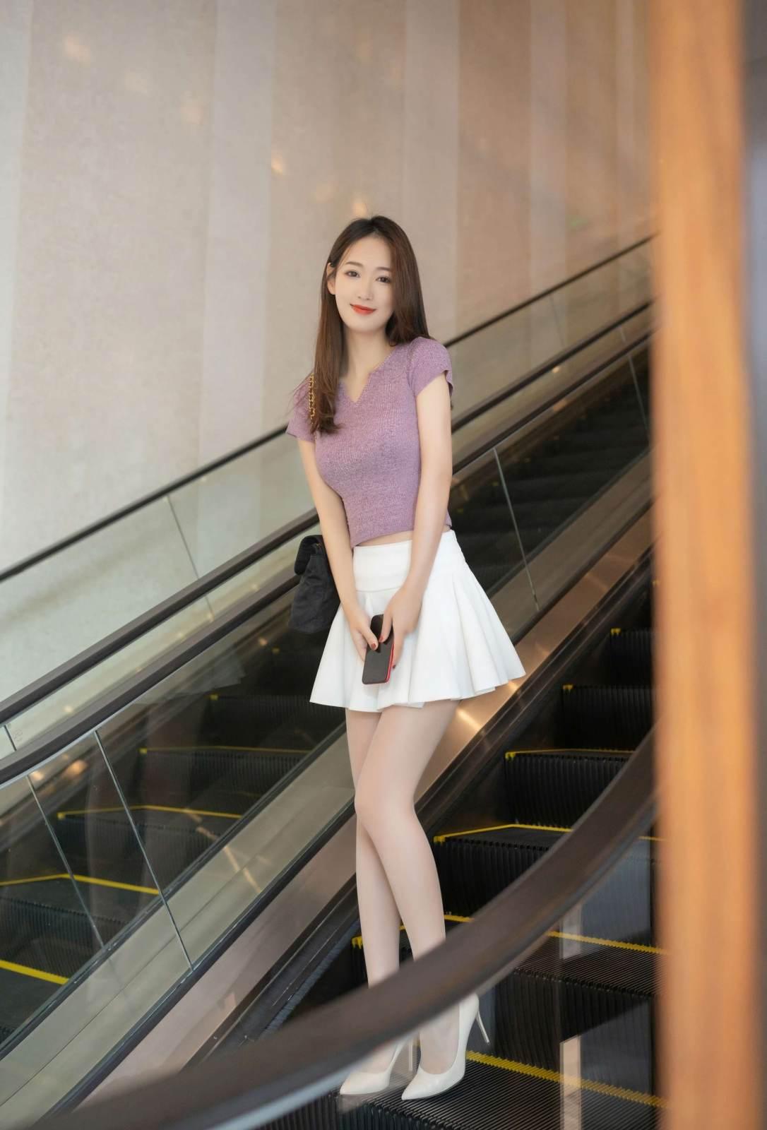 第170期充满活力的妹子唐安琪(jk裙,露脐装,高跟,肉丝)_图片4