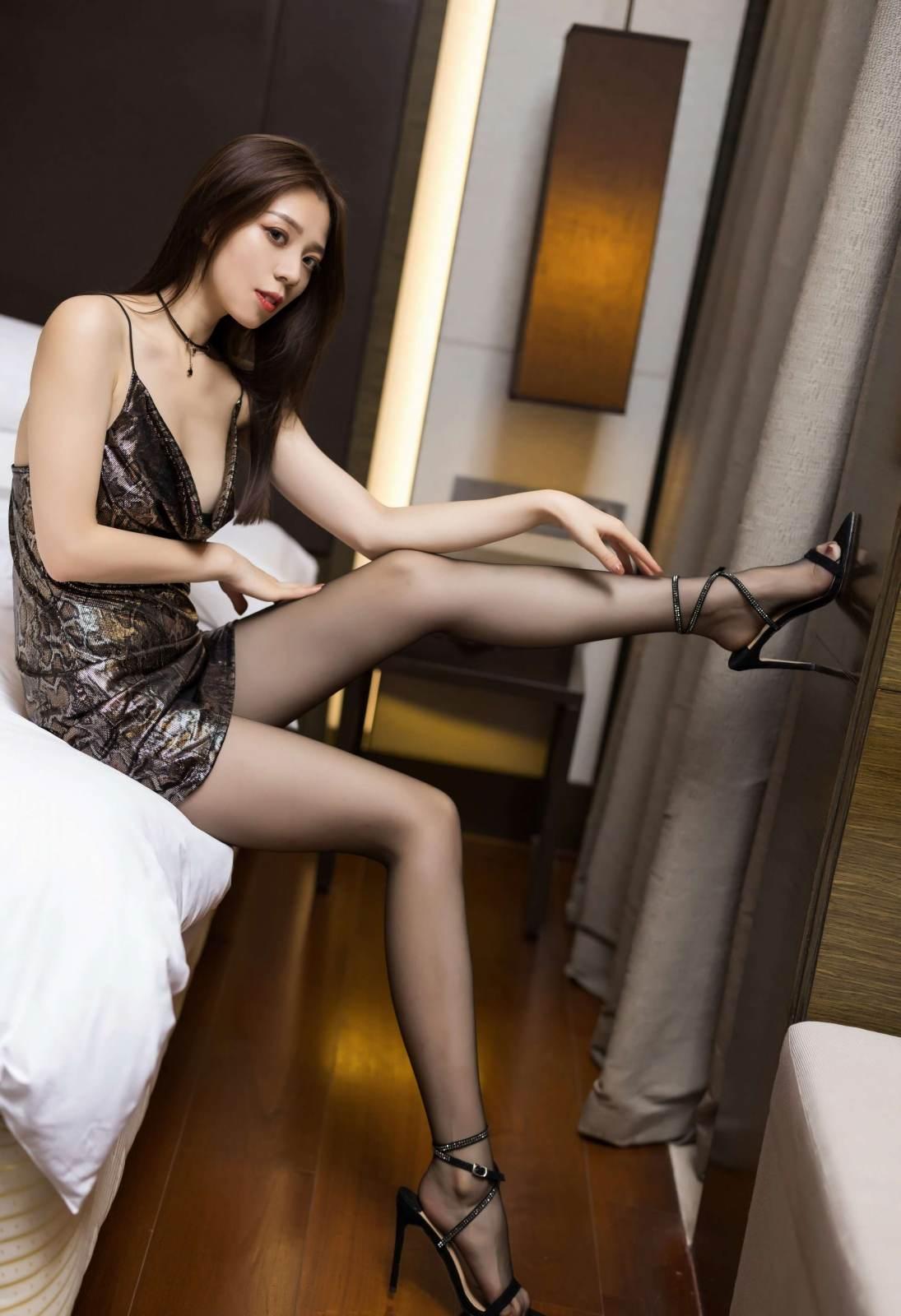 第190期长腿黑丝写真照言沫(黑丝,高跟,大长腿)_图片4
