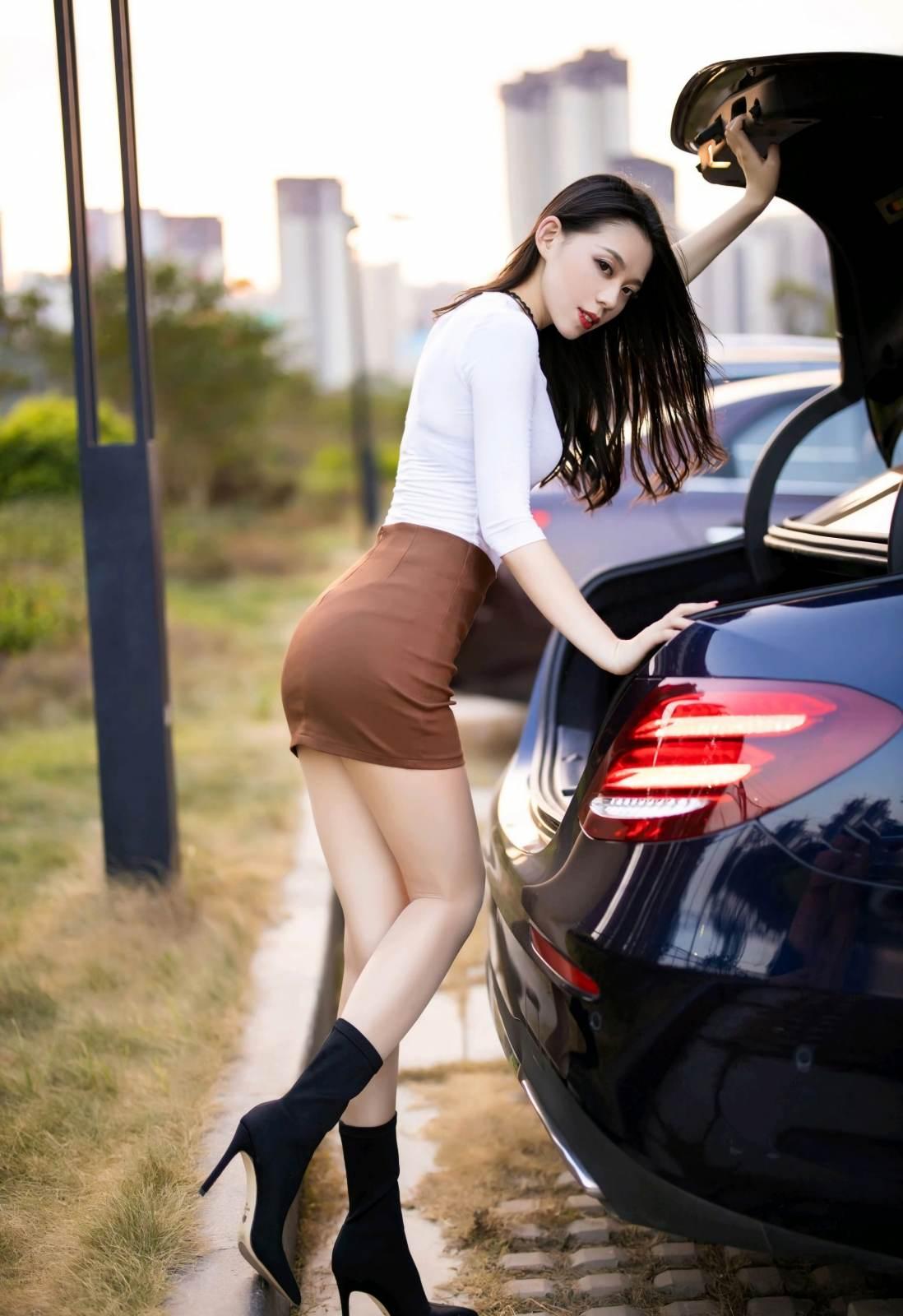 第226期花容月貌美如画言沫(高跟,丝袜,肉丝,短裙)_图片4