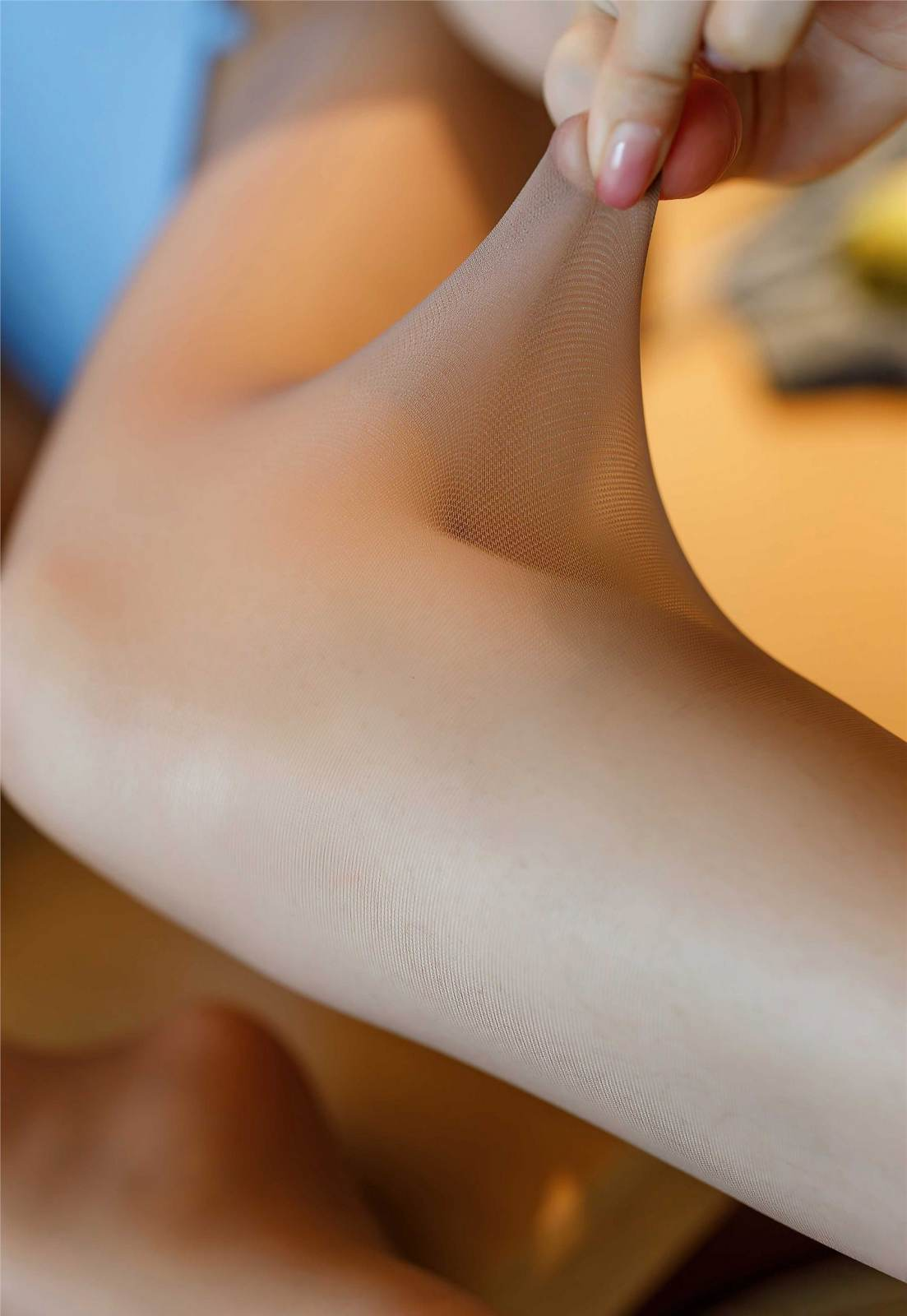 第311期经珠不动凝两眉,铅华销尽见天真。小热巴(丝足,肉丝,破洞丝袜,大长腿,泳衣)_图片8
