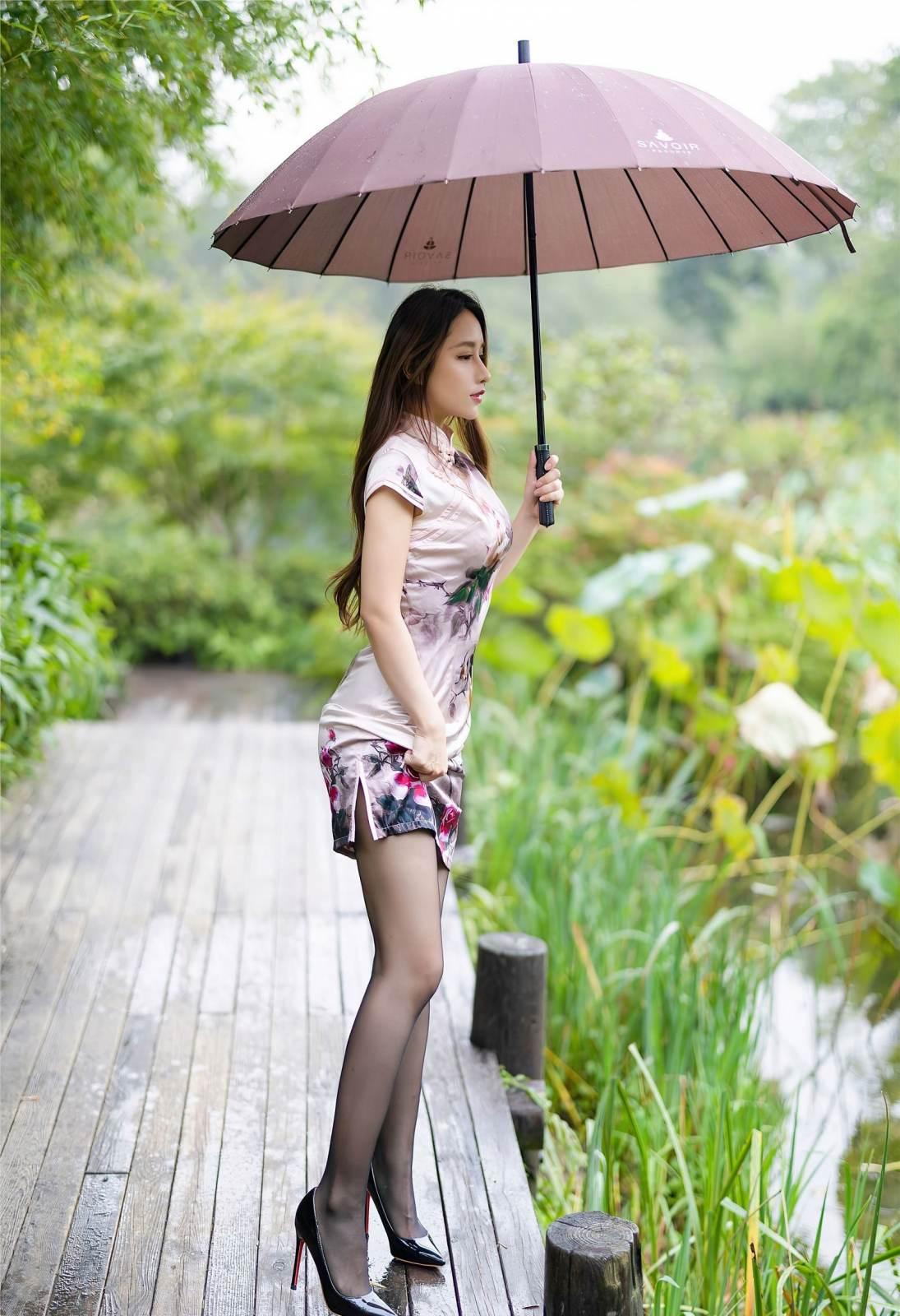 第314期回眸一笑,百媚丛生。徐安安(高跟,丝袜,旗袍,黑丝,丝足,裸足)_图片2