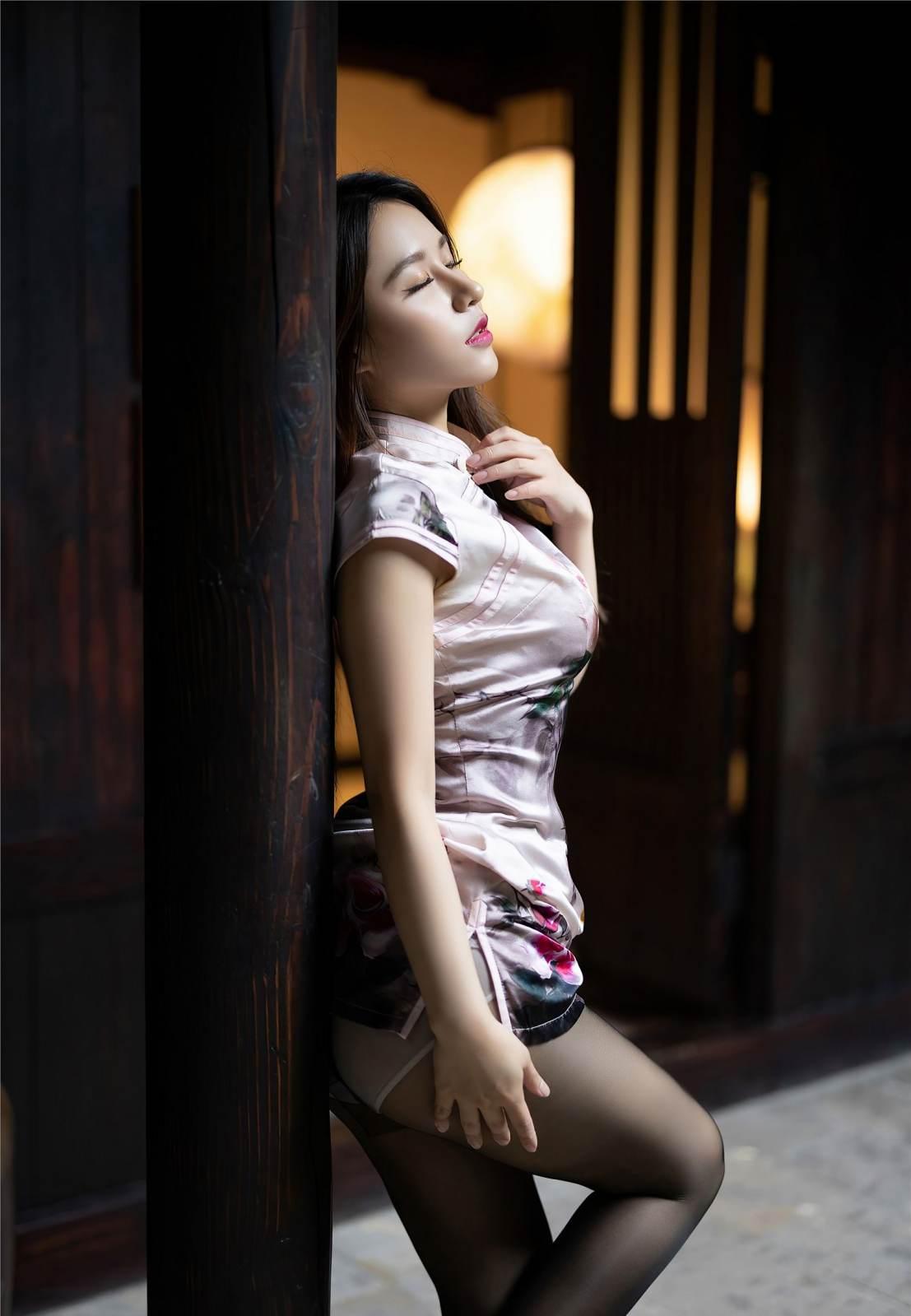 第314期回眸一笑,百媚丛生。徐安安(高跟,丝袜,旗袍,黑丝,丝足,裸足)_图片7