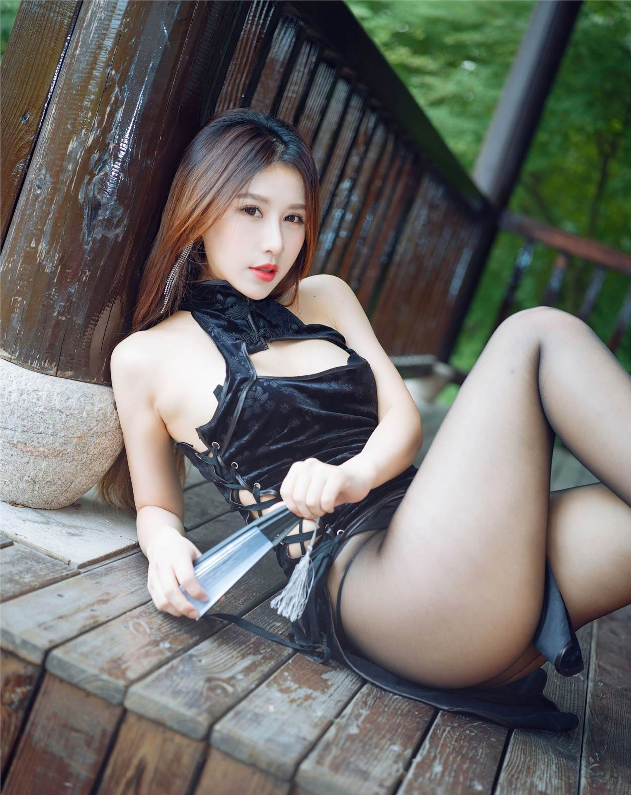 第326期香簟爽眠,幽韵撩人。徐安安(高跟,丝袜,黑丝,旗袍)_图片3
