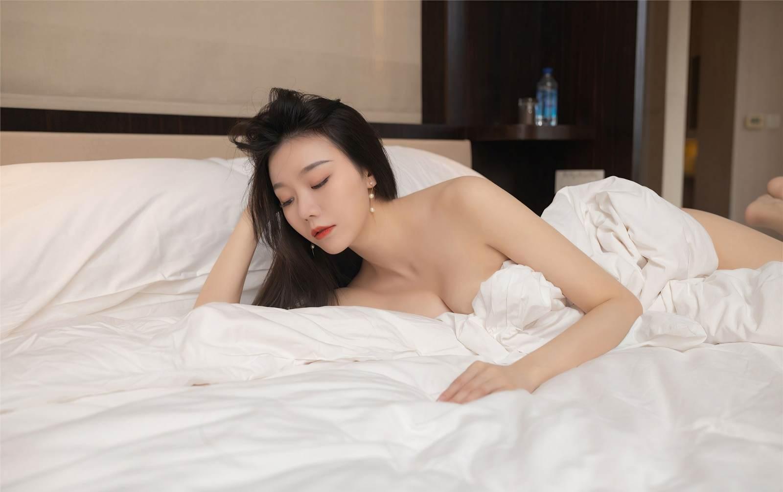 第362期美人卷珠帘,深坐颦蛾眉安然(肉丝,丝足,裸足,大长腿,连身短裙)_图片7