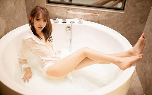 第207期沉鱼落雁周慕汐(长腿,衬衫)