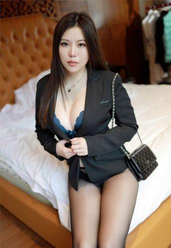 第246期环肥燕瘦白茹雪(西装,丝袜,黑丝,丰满身材,高跟)