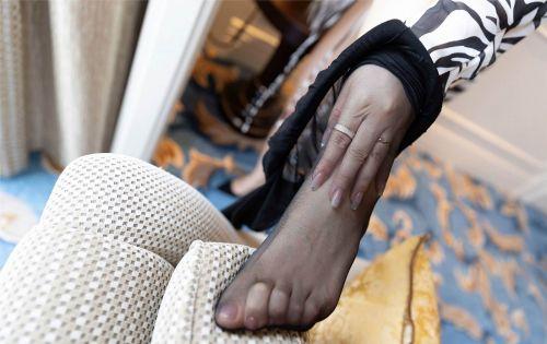 第328期颜如玉,气如兰。罗帷绮箔脂粉香。王雨纯(黑丝,高跟,丝足,丰腴饱满,大长腿)